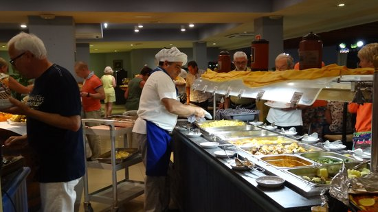 HOVIMA Santa Maria : une partie du buffet ..