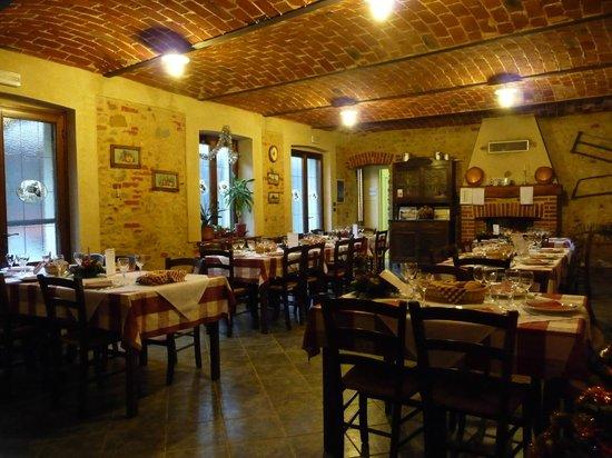 Passerano Marmorito, إيطاليا: sala da pranzo
