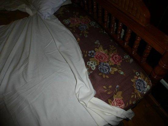 Fort Heritage: matelas mousse avec housse nylon et draps posés dessus