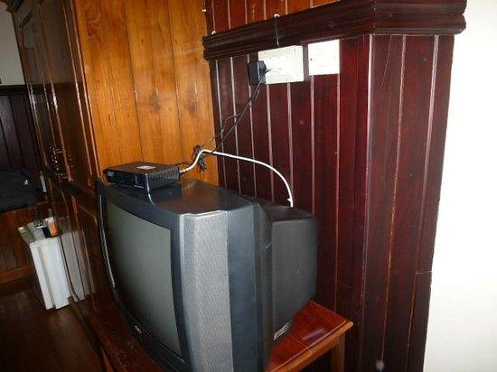 Fort Heritage: branchement télé soi-disant écran plat...