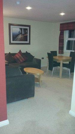 Malone Lodge Hotel & Apartments: Lounge