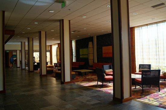 Courtyard King Kamehameha's Kona Beach Hotel: Lobby
