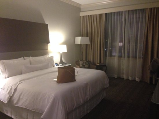 The Westin Houston Downtown : Spacious room