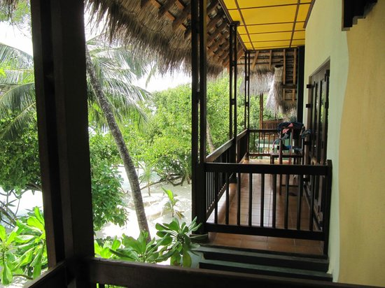 Adaaran Club Rannalhi: First floor balcony of our room