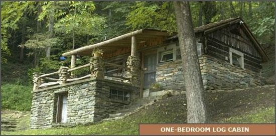 West Oak Bed & Breakfast: One Bedroom Log Cabin