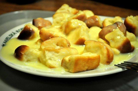 Restaurant Havelska Koruna: Some puffs with vanilla cream