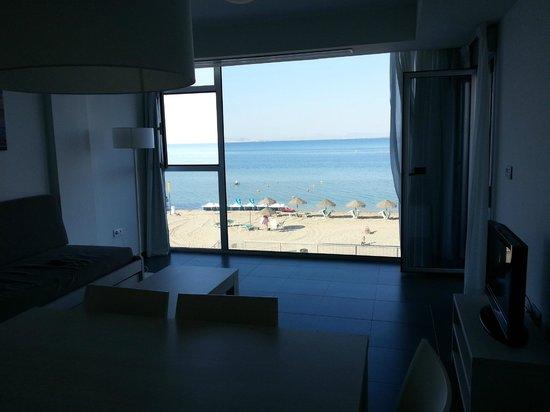 Apartamentos Pierre & Vacances La Manga Beach: Salon Comedor