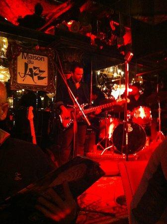 House of Jazz: Les spectacles sont divertissants, belle musique JAZZY