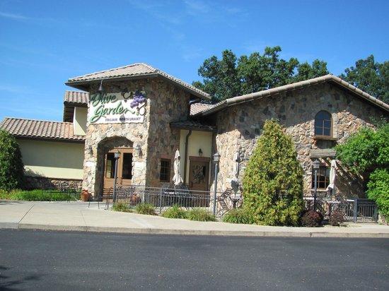 hampton inn suites williamsburg square olive garden restaurant - Olive Garden State College