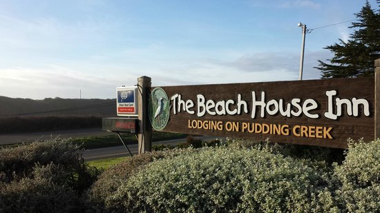 Beach House Inn: View of our sign from the road