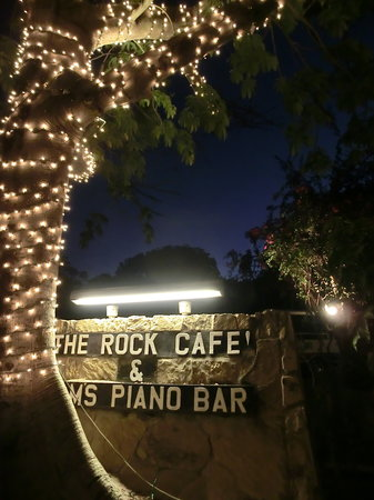 Rock Cafe: The entrance
