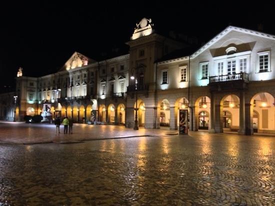 Hostellerie du Cheval Blanc: aosta centre