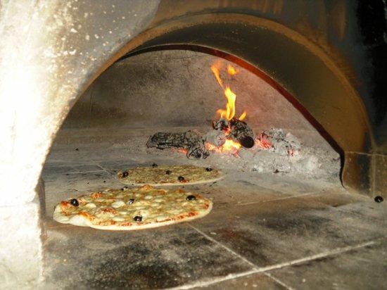 Le Maguy's : Pizzas au Feu de Bois