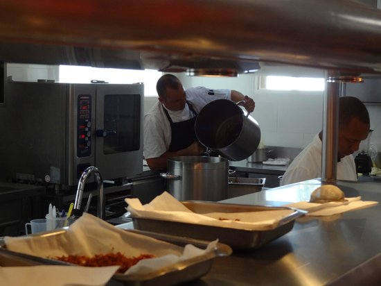 The Tasting Room: Efficient kitchen brigade