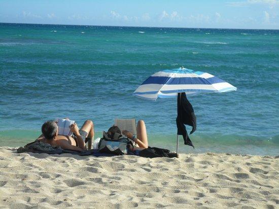 Hotel mango: a la playa