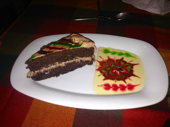 Casablanca Restaurant and Bar : the birthday dessert