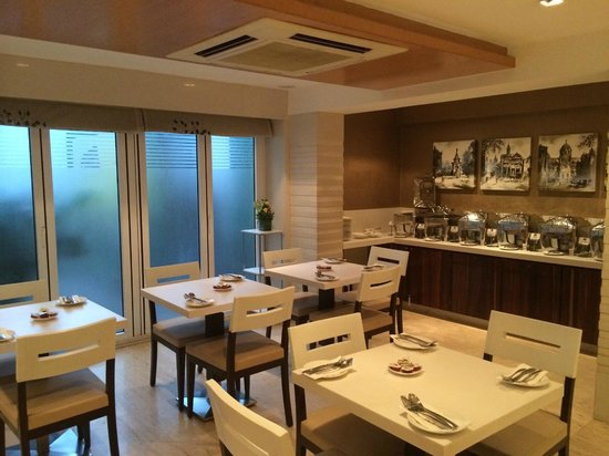 Hotel Bawa Continental: Breakfast buffet