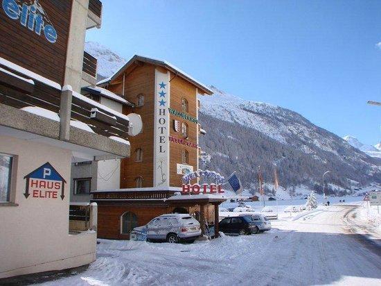 Hotel Walliserhof Zermatt: LA FACCIATA
