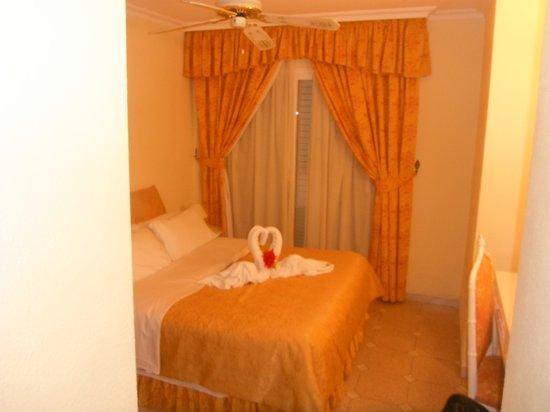 Ona Los Claveles: Master bedroom