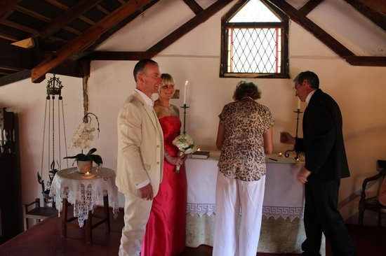 Leeuwenbosch Country House: Rose signing the wedding register