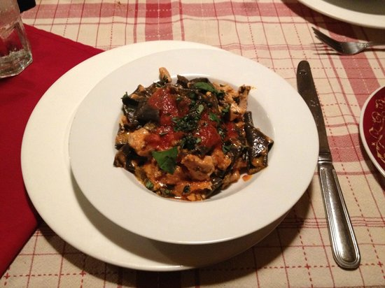 Paolo's Bistro: Black pasta with ono