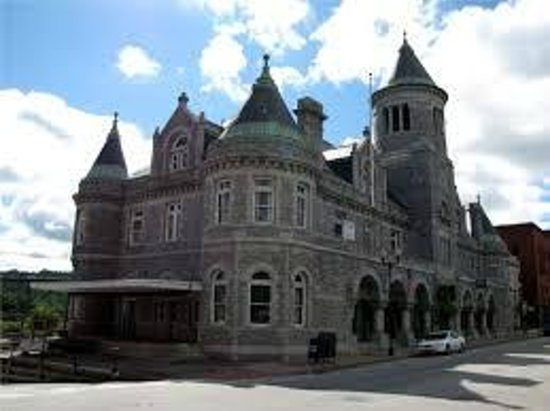 Riverfront Barbeque: Castillo de Maine (Augusta)