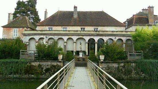 Chateau de Quincey : Vue de l'extérieur