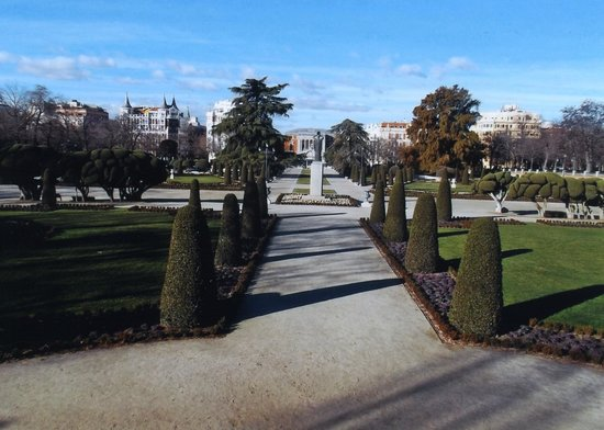 Artistic B&B : The Retiro gardens
