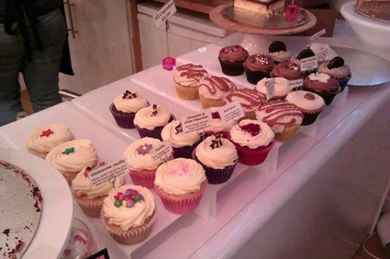 Cloud 9: Cup cakes! :)
