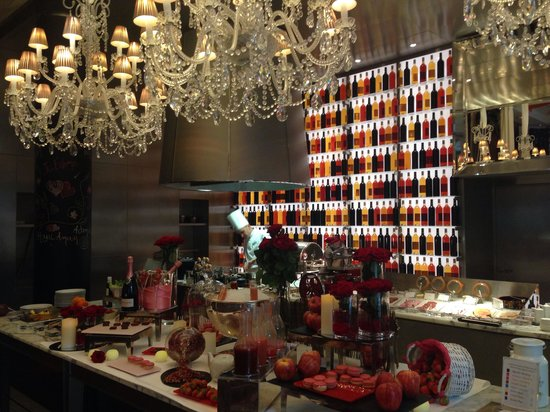 Le Royal Monceau-Raffles Paris : Buffet saint Valentin
