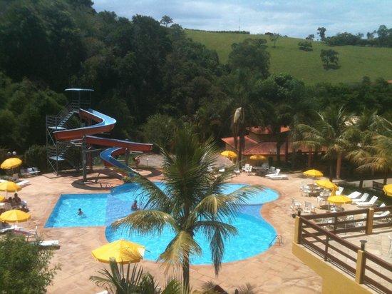 Hotel Fazenda Saint Nicolas : Vista das piscinas com toboágua.