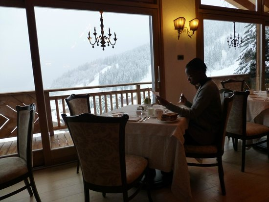 Cristal Palace Hotel: The breakfast area