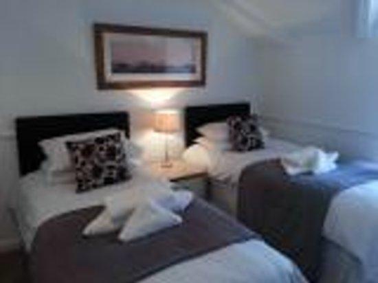 Holmlea: Chester Twin Room