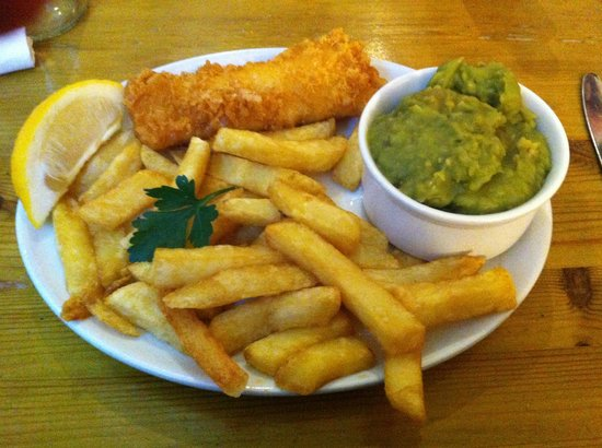 Harbour Lights Restaurant: The small fish and chips - perfect for the smaller appetite.