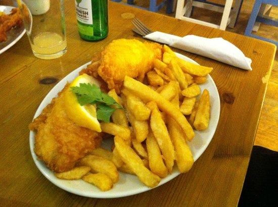 Harbour Lights Restaurant : Lemon Sole and chips - delicious!