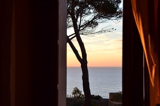 Hotel Can Simoneta: salida del sol desde la habitación