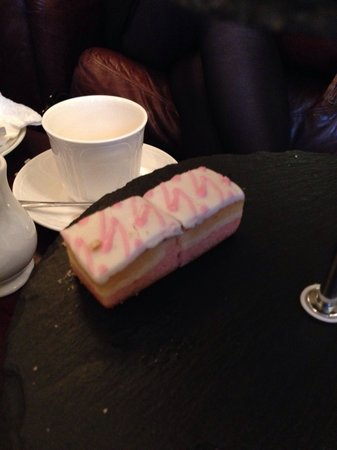 """The Brasserie at Melville Castle : """"A selection of handmade cakes, pastries and desserts"""".....actually a Mr Kipling Angel Slice tor"""