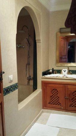 Dar Sholmes: Bathroom