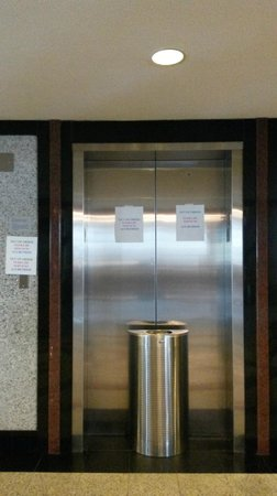 Hotel Riu Plaza Miami Beach : Ascensores que no funcionan