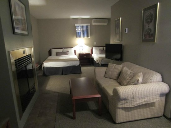 Complexe Le 60 : Vue de la chambre et du salon