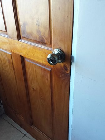 Casa Lima B & B: Our one-button security.