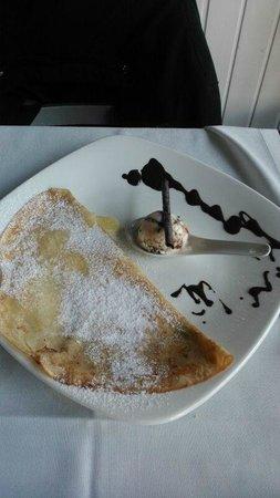 Restaurante HPC Portocolom: Crepe de chocolate blanco con helado