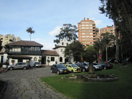 Holiday Inn Express Bogota: Nearby park
