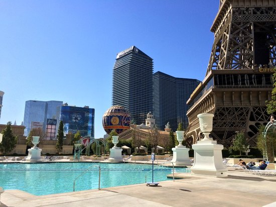 Convention room picture of paris las vegas las vegas for Paris hotel pool