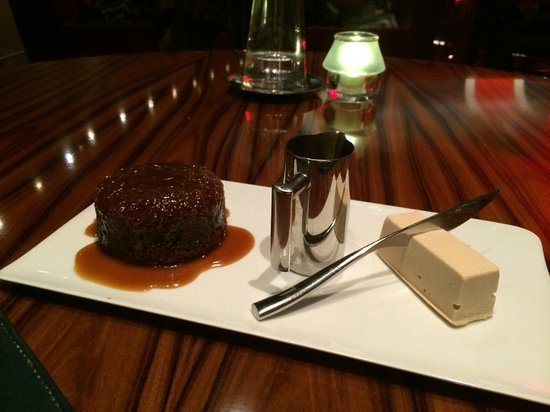 Sticky pudding at Gordon Ramsay Steakhouse!!! - Picture of