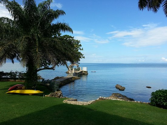 Bluefields Bay Villas: View to the island pavilion at San Michele