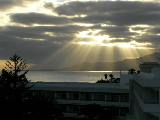 VIK Hotel San Antonio: sunset from 4724 balcony