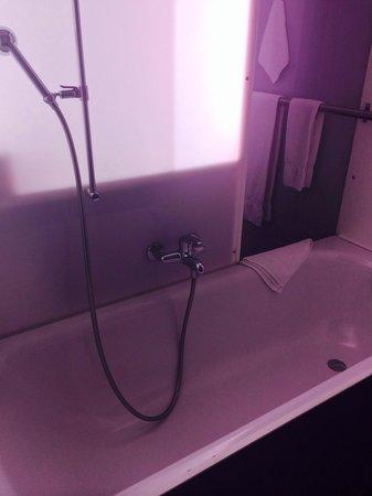 Bleiche Hotel: Badewanne/Dusche