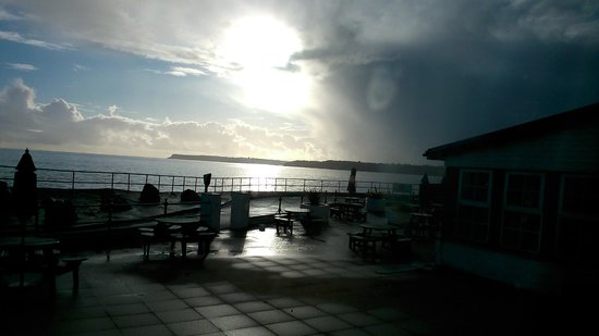 Premier Inn Paignton Seafront (Goodrington Sands) Hotel: Bad weather