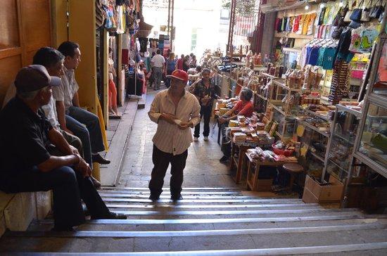 Mercado Hidalgo: A la salida del mercado